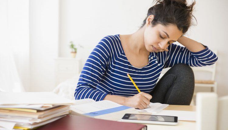 Glimpses of some beneficial factors on using essay writing services
